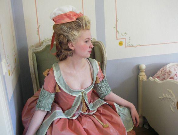 18th c. blog: 1770s robe a la polonaise / http://18thcenturyblog.com/: Colors Combos, 1770S Robes, Color Combos, Costume Ideas, Dresses Obvi, 18Th Century, Century Dresses, Hair, Experimental Fashion
