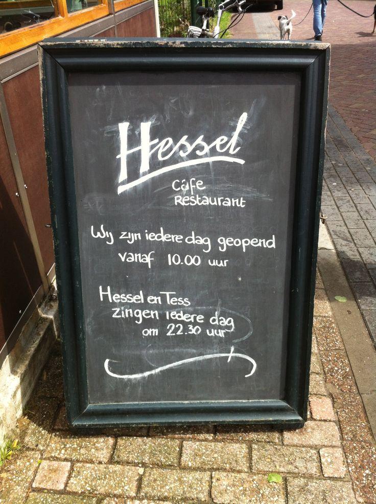 Cafe de Groene Weide, van Hessel, om de hoek bij Villa Rosa op Terschelling (Hoorn). Vakantiehuis voor 6-8 personen.