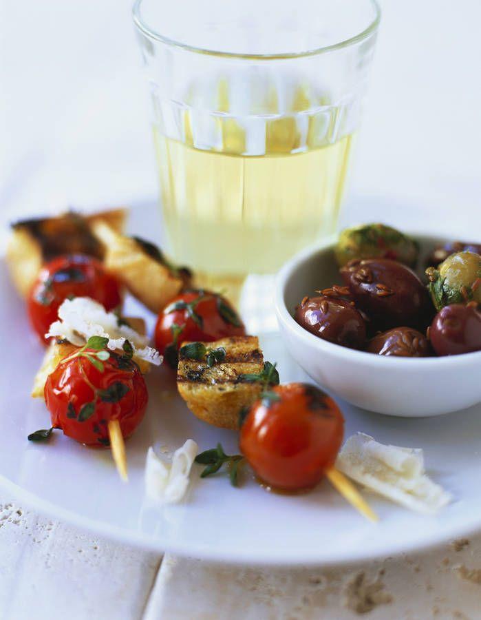 Plus de 25 des meilleures id es de la cat gorie brochette tomate mozzarella sur pinterest - Brochettes aperitives sans cuisson ...