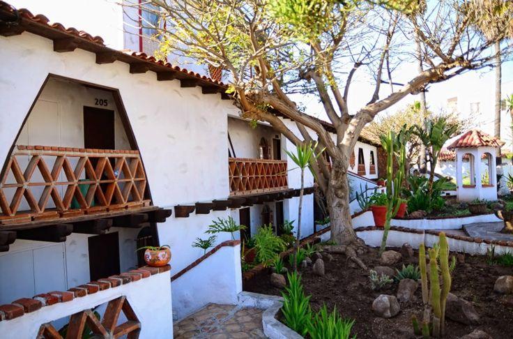 Castillos del Mar ofrece una atmósfera de tranquilidad, relajación, paz y armonía y una extensa lista de servicios que nos distinguen como uno de los mejores hoteles en Rosarito.
