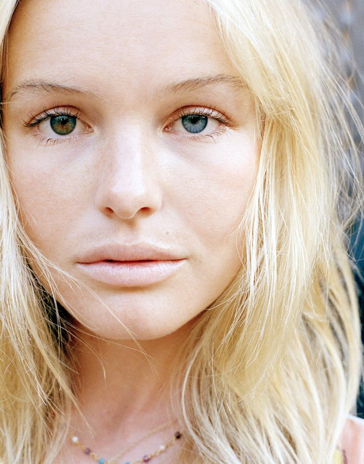did you know Kate Bosworth has two different eye colors...she's gorgeous