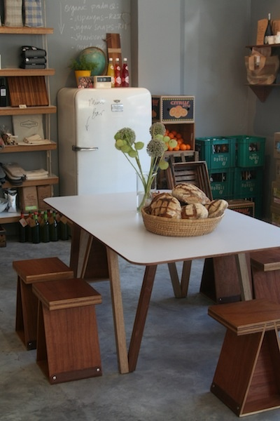 Superette : Capetown, South Africa: A cafe that Xander recommends, and they have a great feel.