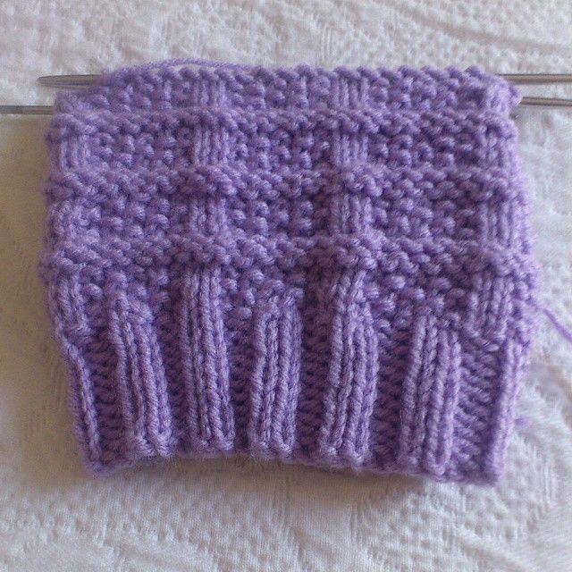On the needles: Thistle Bootcuffs in lavender #NiftyNadi #knit piece of #happiness #handmade