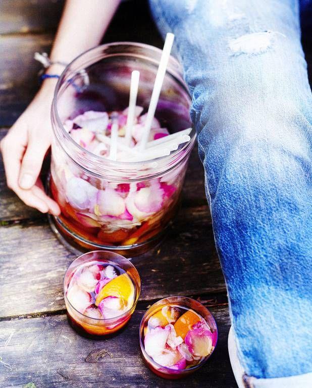 Sangria aux fruits et à la rose pour 6 personnes - Recettes Elle à Table