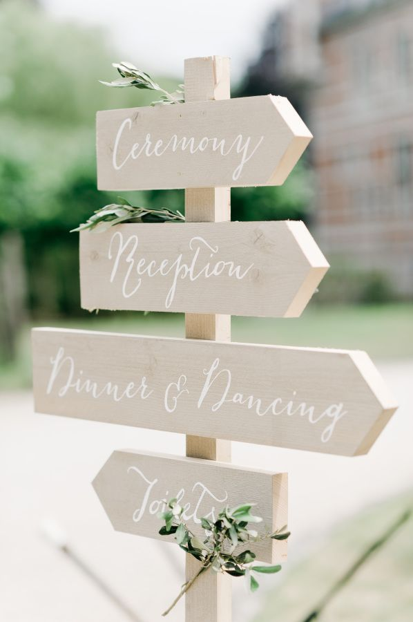Pretty ceremony + reception sign: http://www.stylemepretty.com/destination-weddings/2016/03/15/chic-pastel-garden-wedding-in-belgium/ | Photography: Nadia Meli - http://www.nadiameli.com/