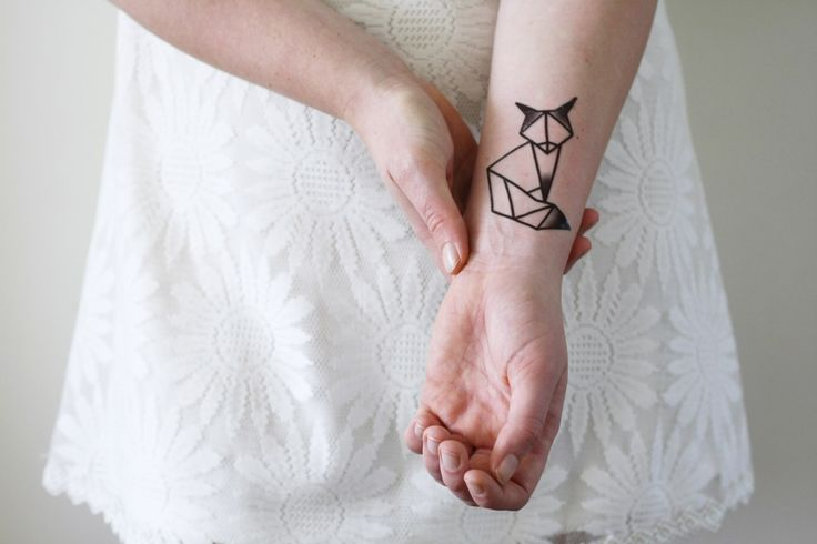 """Temporäres Tattoo """"Geometrischer Fuchs"""". Gefunden bei Etsy."""