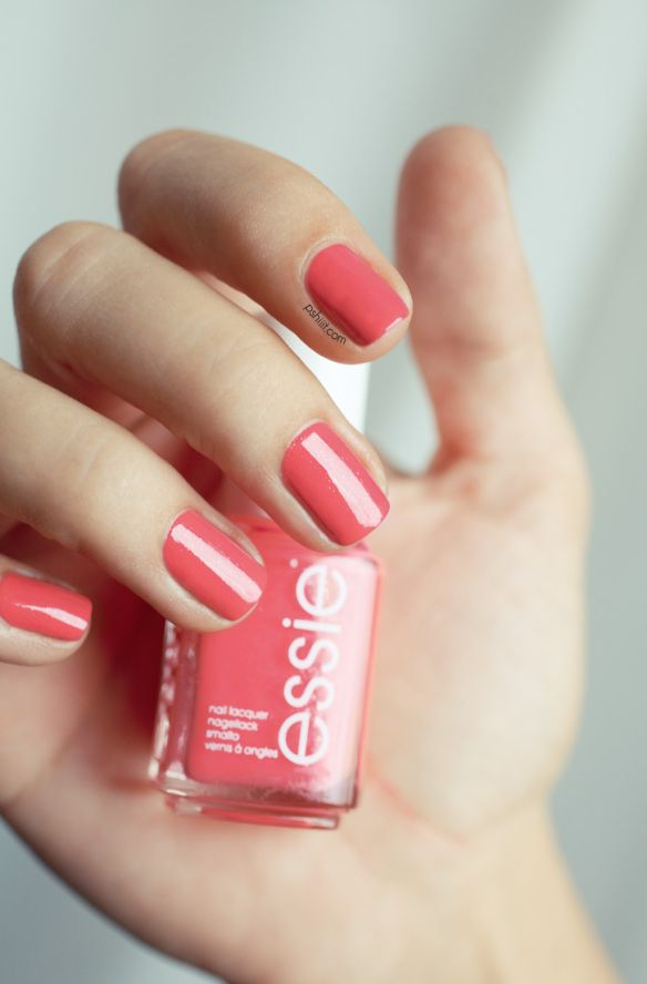 This is my fav color right now. Very summer. Essie Sunday Funday.