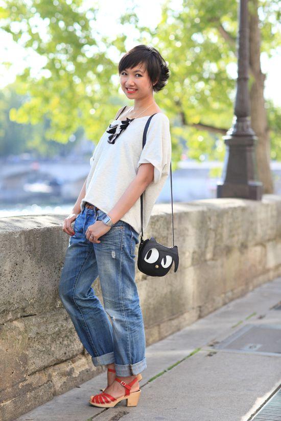 boyfriend jeans, boxy tee, swedish has-beens. cute purse!