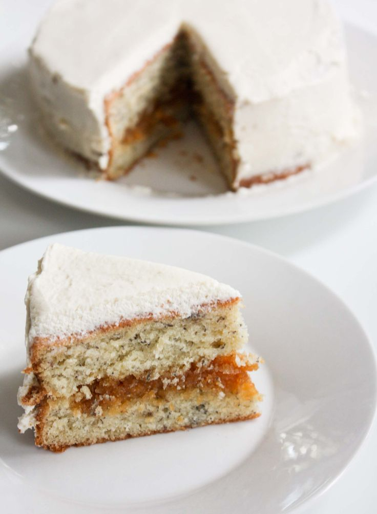 Little Banana Cake with Caramel Filling | Dairy & Dessert | Pinterest