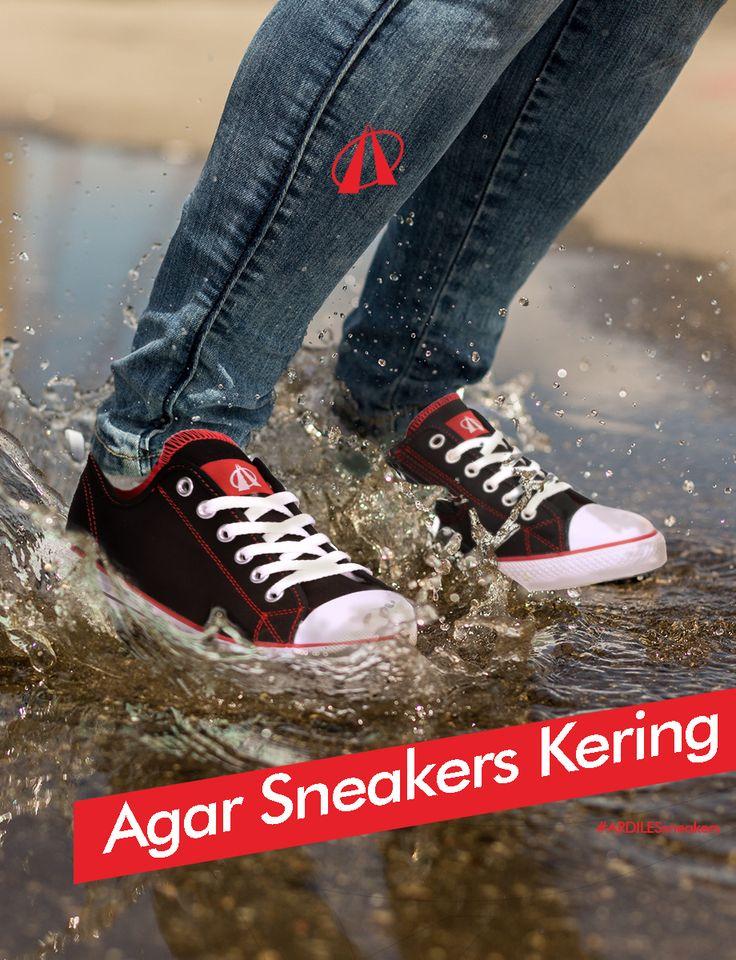 Ardiles Sneakers Lovers, musim hujan mulai melanda kita di bulan Desember ini. Nah, kalau sepatu kamu terkena air hujan dan besok harus dipakai lagi. Jika kamu tidak suka repot, maka harus punya sepatu cadangan. Kalau mau menambah sneakersmu. Yuk, beli saja sneakers Ardiles di www.ardilessneakers.com. Harganya terjangkau, banyak pilihan dan trendy!