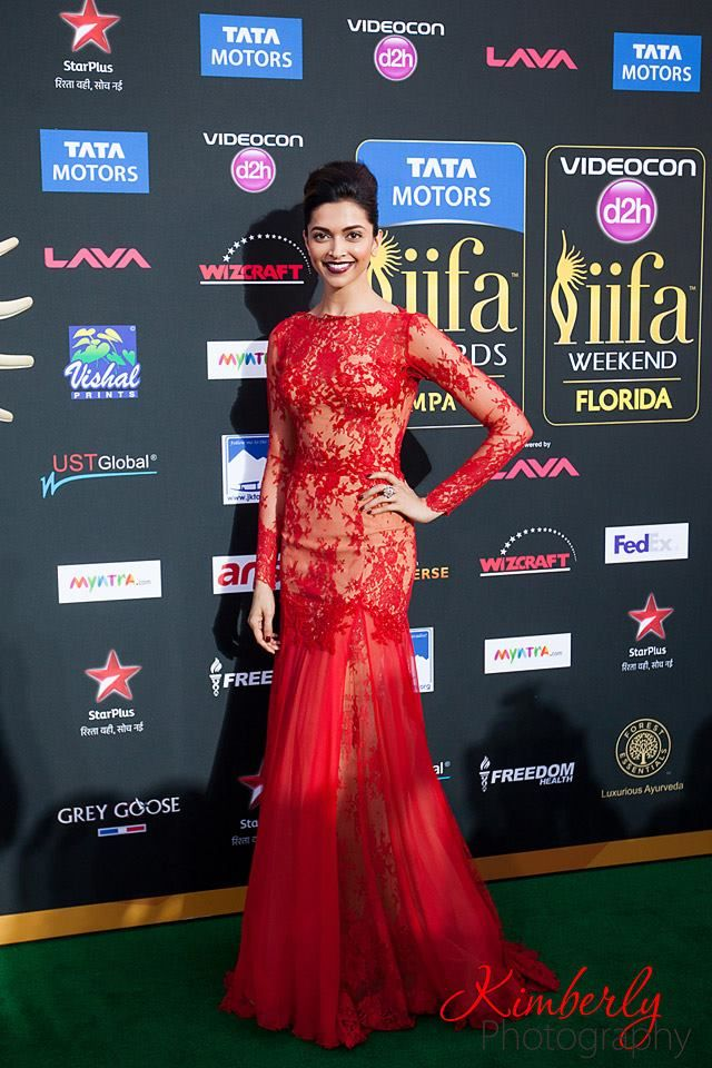 #DeepikaPadukone in @ZMURADofficial on the #greencarpet for #IIFA2014 awards Photo credit: Kimberly Photography
