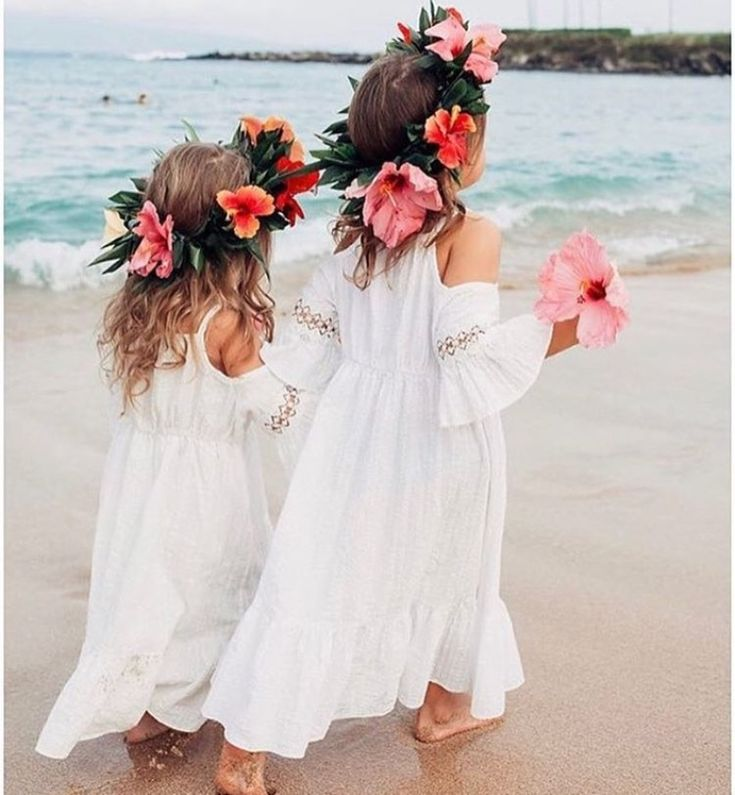 Gorgeous bohemian beach flower girls! They need some pearls. ♥