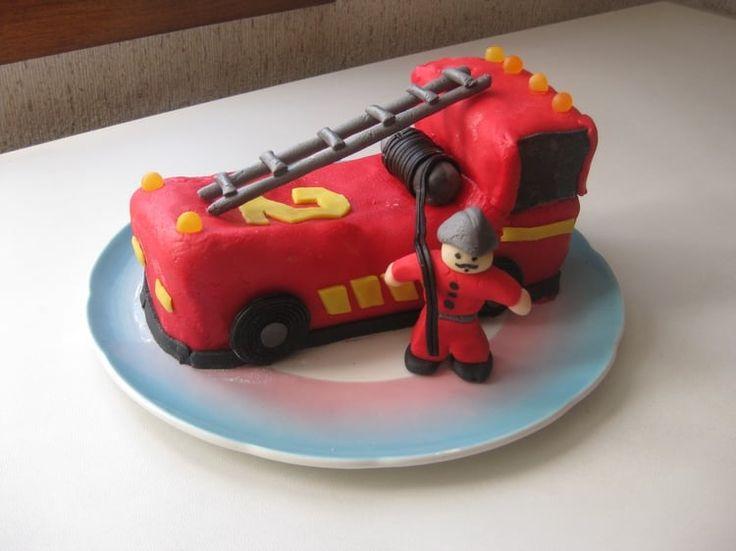 Gut gemocht Les 25 meilleures idées de la catégorie Gâteaux de camions sur  JJ03