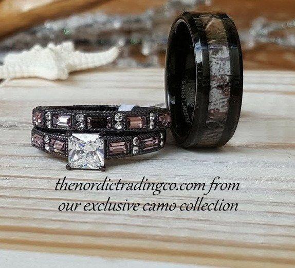 Camouflage Wedding Ring Set Men's Band 7-14 Engagement Ring Wedding Band Women's 5-11 Couples Camo Rings #camoweddingringsets #lovecamo #southerngirls #hisandhers #camogroomsring #bride #chocolateweddingrings