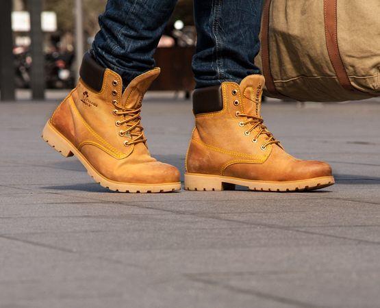 Renueva tu #calzado y disfruta del #otoño. Hoy os contamos todos los beneficios de elegir #botas de Timberland. http://calzadorodriguez.com/blog/botines-timberland-hombre-el-calzado-del-otono/