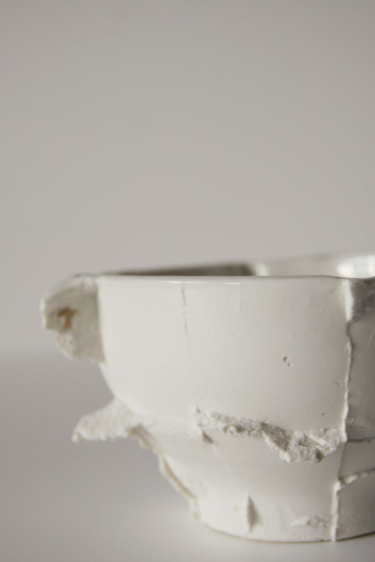 ceramic bowl with seams. Designed by Anna Pawlewska