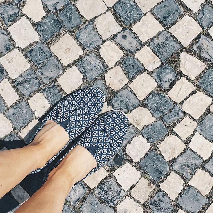 Good morning Lisboa. ⚓️ #goodmorning #lisboa #lisbon #readytogo #travel #trip #fromwhereistand #thatsmyshoes #tomsshoes #lastday #vsco…