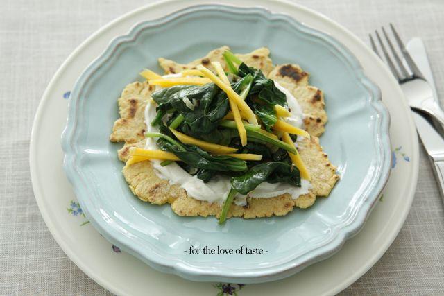 Mango spinach mais semolina pancake  lahmacun style   http://fortheloveoftaste.wordpress.com/2013/06/07/mango-spinach-mais-semolina-pancake/