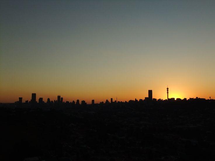 Johannesburg-skyline-sunset-LARGE.JPG (4000×3000)