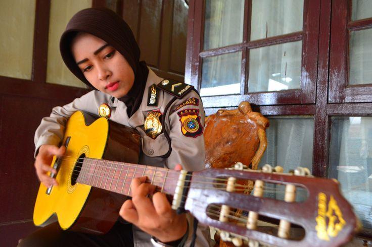 Bripda Nova Mauliza; Polwan Cantik Bersuara Merdu dari Aceh Utara ...