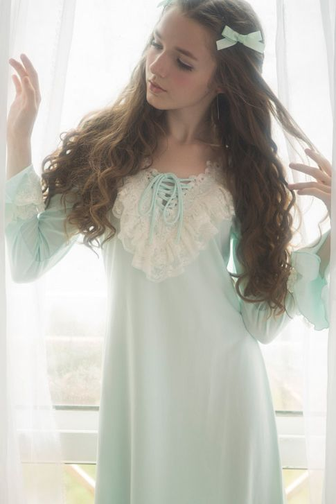 medieval+nightgown | ... vintage nightdress $ 76 60 medieval vintage cotton nightgown $ 75 99