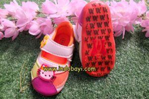 Sepatu HK oreng pjg sol 11.5cm 6-12bl idr 47rb https://indobayi.wordpress.com/2015/06/11/sepatu-bayi-lucu-hello-kitty/