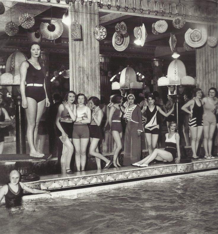 1930........LIDO DE PARIS..........SOURCE FANTOMAS EN CAVALE.TUMBLR.COM..................