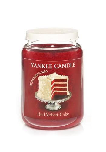 Maxicandela Red Velvet Cake al profumo di torta, Yankee Candle (€ 32,99)