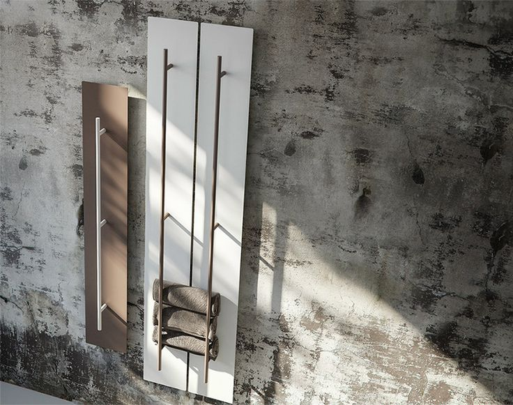 Aluminium wall-mounted towel warmer Teso by Antrax, design by Benini e Gonzo