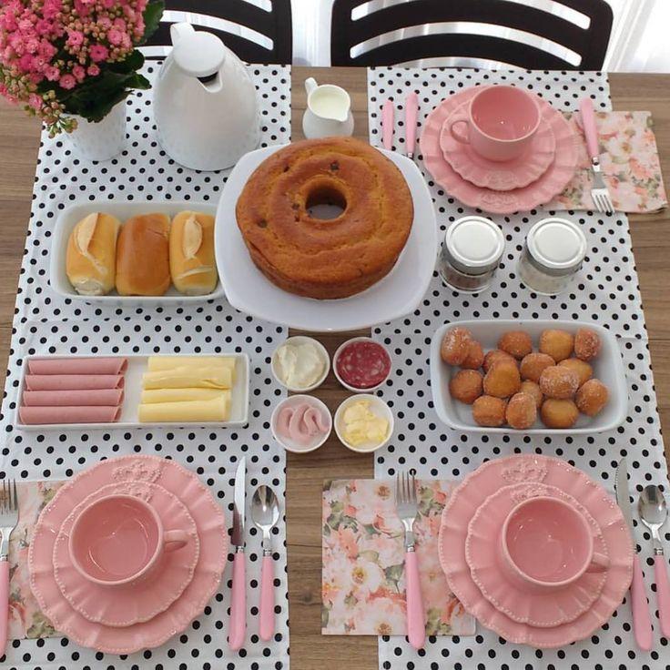 """3,830 curtidas, 52 comentários - Porto Brasil Cerâmica (@portobrasilceramica_oficial) no Instagram: """"A @luanarfp ,arrasou na produção desta mesa de café da manhã! Adoramos o mix de estampas do jogo…"""""""