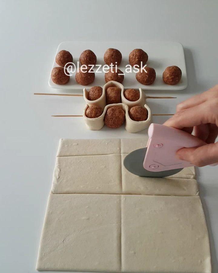 """8,495 Beğenme, 155 Yorum - Instagram'da lezzet-i_ask (@lezzeti_ask): """"Hayırlı akşamlar çıtır çıtır en pratiğinden uzun şeritler halinde keserek hazırladığım peynirli…"""""""