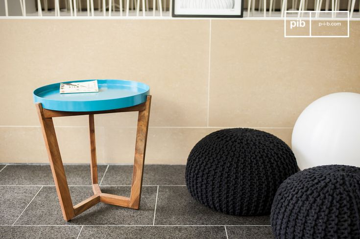 Sia usato come tavolino vicino ad un divano, sia come comodino o semplicemente come tavolino basso da caffè, questo coloratissimo articolo troverà sicuramente un posto perfetto all'interno della vostra casa.