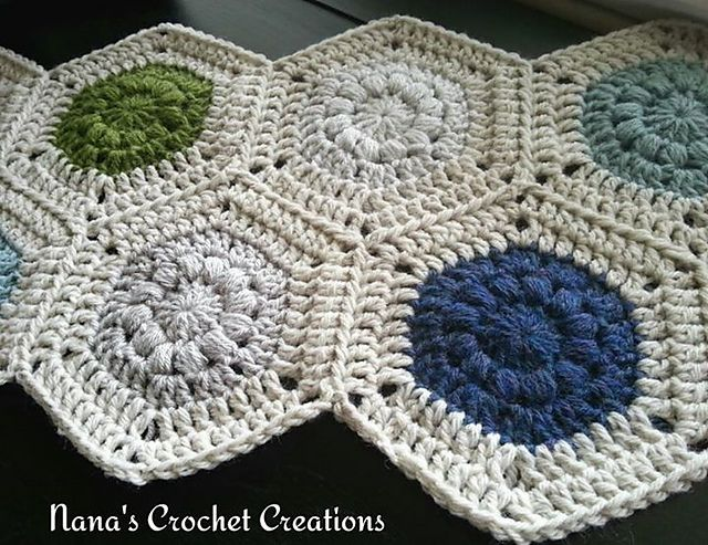 "Nana's ""Puff Circle Hexagons"" , free pattern by Des Maunz"