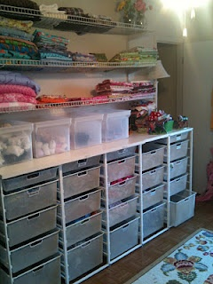 The Family Closet: What a great idea for families with lots of children! All the clothes are kept in a room close by the laundry, or at least in one central place. Would make putting the washing away easy!