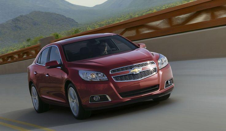 Mais estilo, eficiência de combustível, conteúdo e recursos: essa é a 2013 Chevrolet Malibu LTZ.