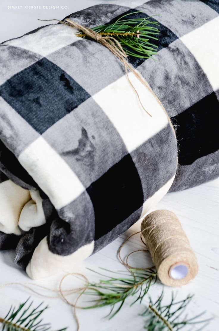 Affordable Gift Ideas | Black Buffalo Check Throw | simplykierste.com #ad