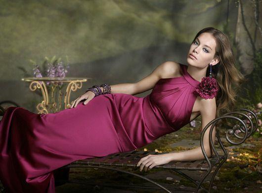 Foto 54 de 55 Vestido de seda en charmeuse de seda color magenta.   HISPABODAS