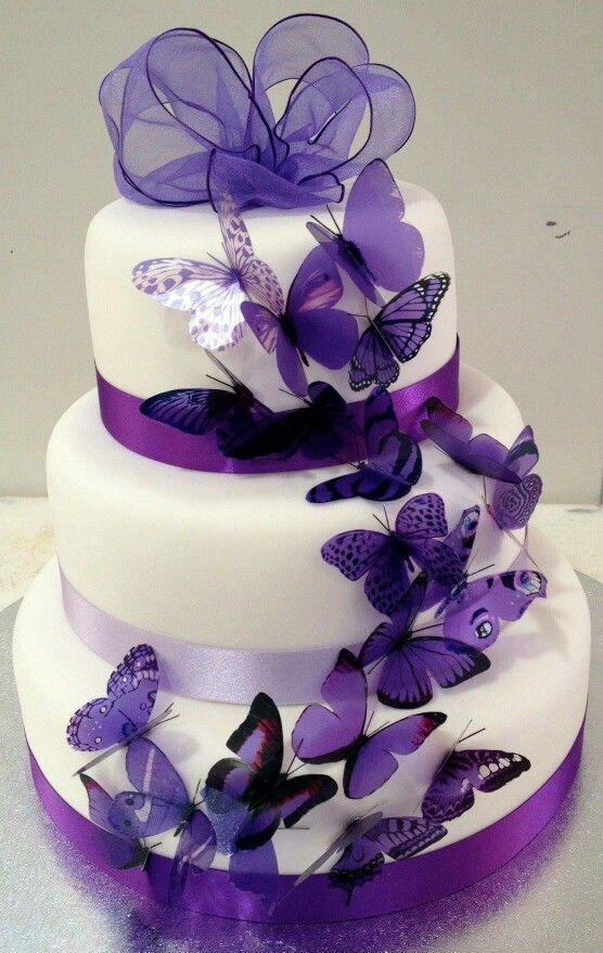 My Dream Cake! But there's got to be some pink on it... PINK is actually My fav color !! but purple runs a close 2nd !!!! oooooo : c )