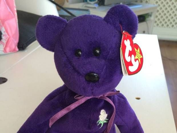 UPDATE!!! http://uproxx.com/webculture/2015/04/beanie-baby-price-hoax/ That is a great pick! Paid $15, worth $93K @me_kimba #LiteMiami http://www.independent.co.uk/news/world/europe/rarest-beanie-baby-of-them-all-could-be-sold-for-62500-on-ebay-10186769.html?cmipid=fb