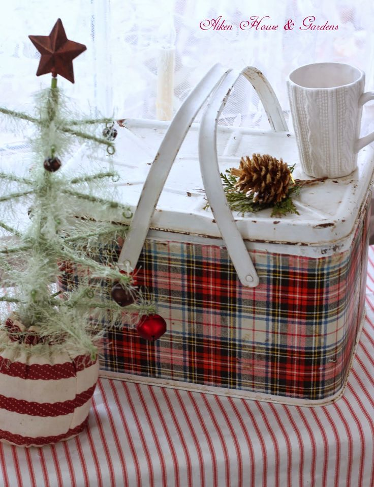 Aiken House & Gardens: The Little Details Cottage Christmas