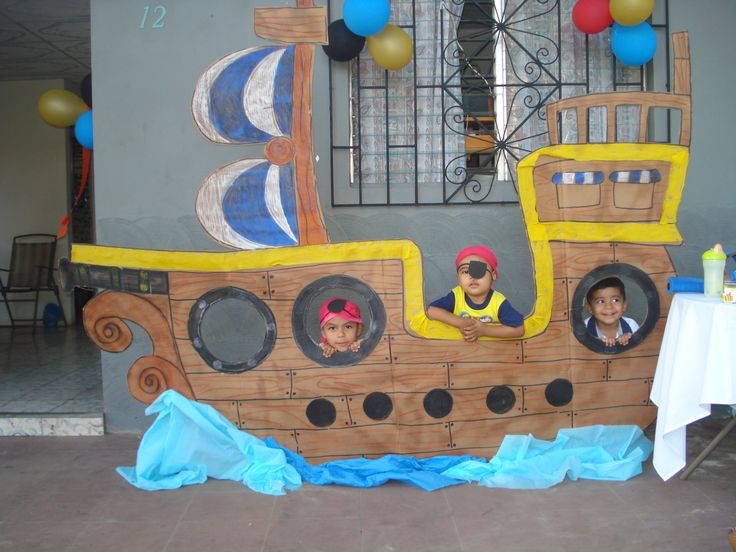 Decoraci n de fiesta pirata barco pirata de cart n for Decoracion de puertas para cumpleanos