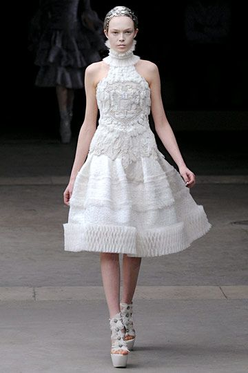 alexander mcqueen wedding dress 25 best ideas about mcqueen wedding dresses on 1252