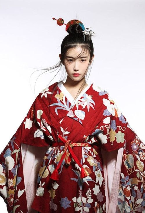 Chinese dress - Hanfu 汉服 Zhang Xinyuan 张辛苑