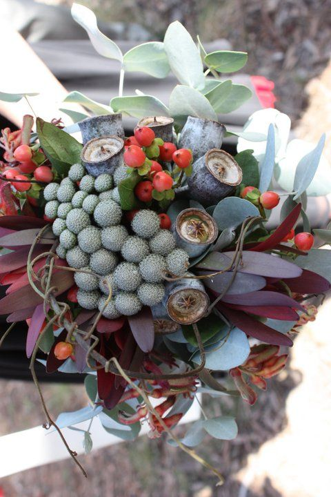 Rustic freestyle native bouquet