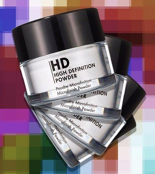 La poudre HD n'est pas uniquement utile pour éviter de briller. Voici 4 astuces makeup à reproduire grâce à votre poudre HD.