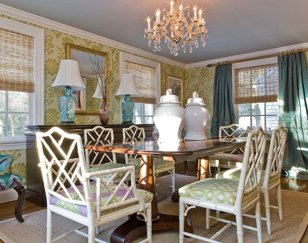 gorgeous chinoiserie dining room with chippendale chairs