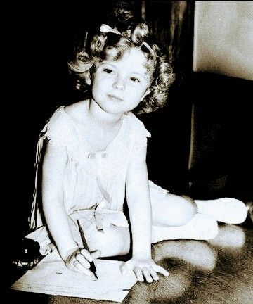 """""""Shirley Temple signs a big contract in 1934"""""""
