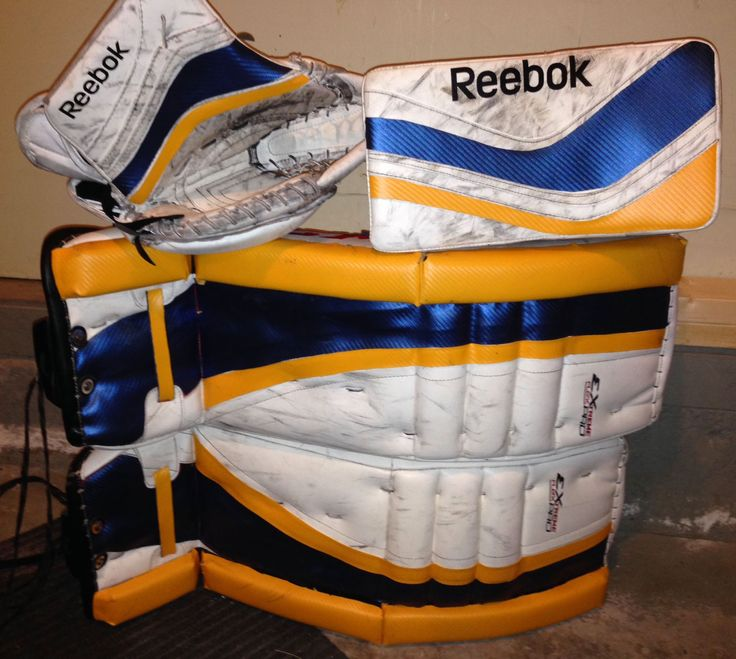 Here's a previously all White set of CCM pads and Reebok gloves that needed a new look. With a big change in mind, this customer picked up our Royal Blue Weave and Sport Gold Weave. As you can see, the pads and gloves have an entirely new look that is almost impossible to tell that they weren't made like this! www.padskinz.ca