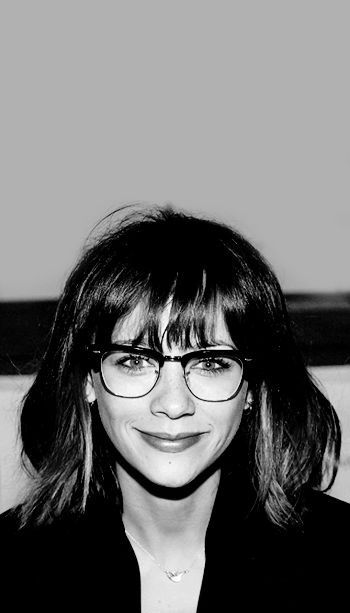 rashida jones in glasses