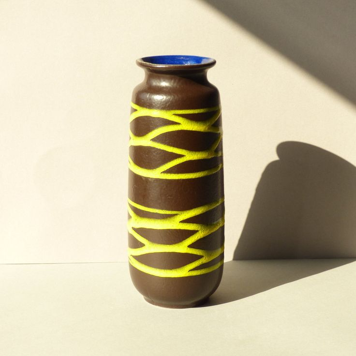 Grote vaas, Scheurich, zwart gekleurd met fel gele strepen, West Germany, model…